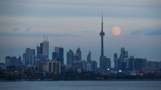 Toronto skyline with moonrise (24 December 2015)