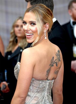 Scarlett Johansson sur le tapis rouge