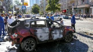 Auto que manejaba Sheremet tras el ataque