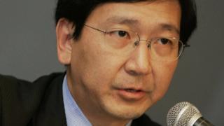 Prof Johannes Chan addresses press conference in Hong Kong. 23 September 2006