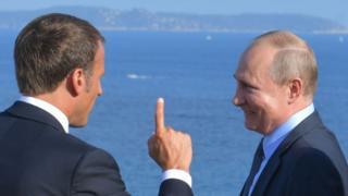 Эмманужль Макрон и Владимир Путин