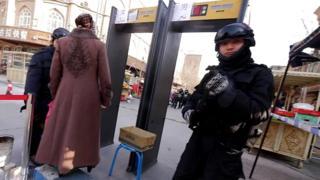 Trung Quốc bị cáo buộc giam giữ rất nhiều người Uighurs (Duy Ngô Nhĩ)