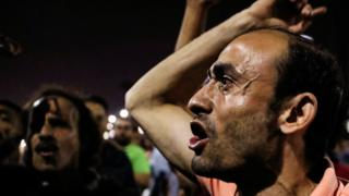 Egypt: Protests and clashes enter second day