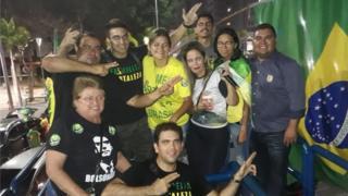 Grupo de apoiadores de Bolsonaro em Fortaleza