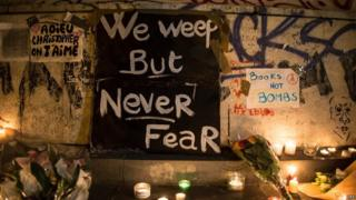 Messages of support in Paris