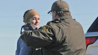 شایلین وودلی هنگام دستگیری