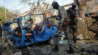 Le théâtre d'un attentat à la voiture piégée en Somalie (illustration).