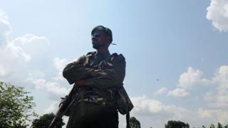 Un militaire congolais en garde à Beni 19 aout.