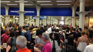 2015年圣潘克拉斯车站,欧洲之星停开旅客困阻