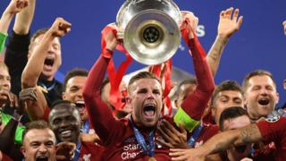 유럽축구연맹(UEFA) 챔피언스리그 결승전에서 리버풀이 토트넘을 2대0으로 제압하며 정상에 올랐다
