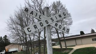 Railroad crossing sign in Decorah