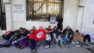 انسداد الأفاق أمام الشباب التونسي يدفع به إلى مقاطعة العملية الانتخابية