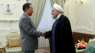 리용호 북한 외무상은 현지시간 8일 하산 로하이 이란 대통령을 만났다