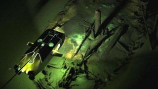 Ilustração mostra como veículo explora naufrágio
