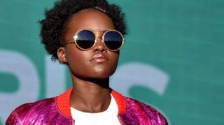 Lupita Nyong'o ari mu bakinyi rurangiranwa b'isinema, aturuka muri Kenya, akaba umukobwa wa Anyang Nyong'o, bulamatari w'intara ya Kisumu
