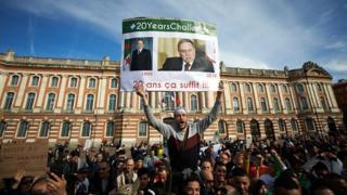 وعده بوتفلیقه: یکسال بیشتر نمیمانم