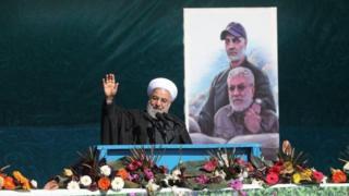 """حسن روحانی در سخنرانی خود گفت """"دولت ما ورشکسته نیست و مردم ما تسلیم شدنی نیستند"""""""