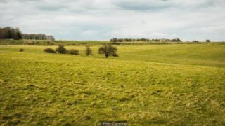 Ngày nay, Bức Tường Durrington là một cánh đồng được bao quanh bởi bờ đất