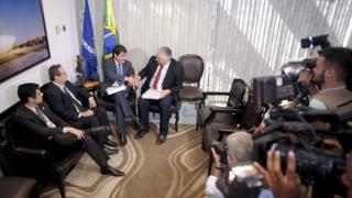 Técnicos do Senado entregam laudo sobre decretos de Dilma Rousseff à Comissão Especial do Impeachment (CEI). A perícia foi solicitada pela defesa para produção de provas.