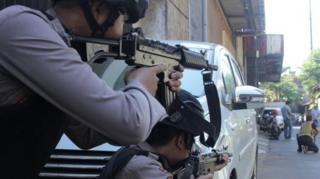 伊斯兰极端武装连续发动暴力攻击,在印尼引起震动。