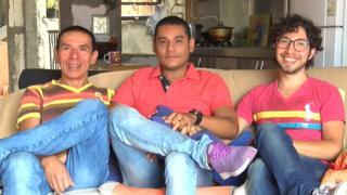 Manuel, John y Victor.