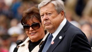 Víctor y Amalija Knavs, padres de Melania Trump en una ceremonia