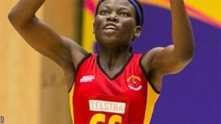L'Ougandaise Peace Proscovia, une spécialiste du netball, un sport féminin proche du basketball, va prendre part aux Jeux du Commonwealth.