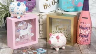 Money boxes and piggy banks