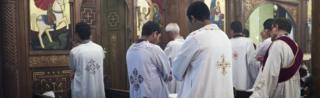 Abakirisu bari mw'isengero ry'aba Coptes