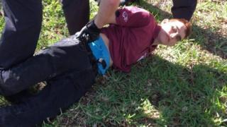 Nkolas Cruz sendo preso