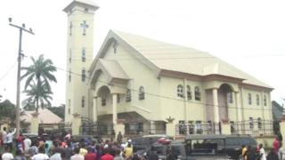 Ụlọụka St Philip Catholic Church Ozobulu