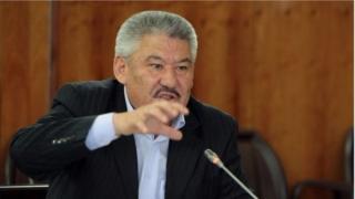 Азимбек Бекназаров президенттикке расмий катталган жети талапкердин бири