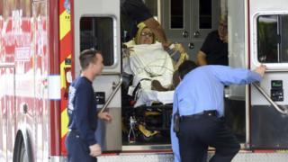 Ferida é levada para hospital