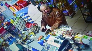 斯克里帕尔怀疑被毒害前数天,有监控镜头摄得他在萨利斯伯里一家商店购物。