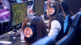 В Китае самое большое количество пользователей интернета в мире, и многие из них играют онлайн