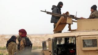نیروهای دموکراتیک سوریه که از حمایت آمریکا برخوردارند