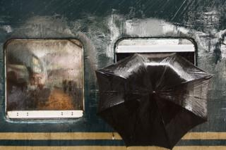 Gazipur, Bangladeş'teki tren durağındaki manzara