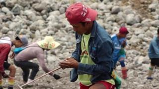 Recupero della giada in Myanmar