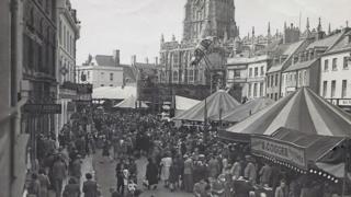 Cirencester mop fair, 1944