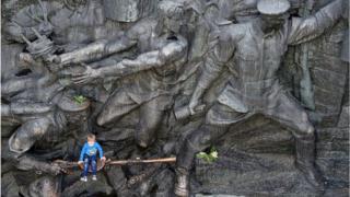 9 мая - музей Второй мировой войны в Киеве.