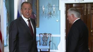 Waziri wa maswala ya kigeni nchini Urusi Sergei Lavrov na mwenzeka wa Marekani Rex Tillerson