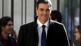 Socialists (PSOE) leader Pedro Sanchez arrives for a news conference at the Spanish parliament in Madrid, Spain, 23 February 2016