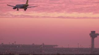 bandara, Berlin, pesawat