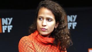"""Mati Diop, la réalisatrice du long métrage """"Atlantique"""", le seul film venu d'Afrique à être présenté en compétition officielle du Festival de Cannes 2019."""