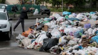 Из Львова вывезли весь мусор - ОГА