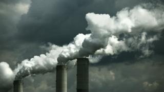 Emisiones de gases de una planta