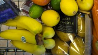 Tesco bananas and other groceries