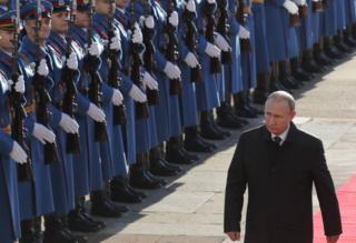 Russian President Vladimir Putin attends an official welcoming ceremony in Belgrade, Serbia, 17 January 2018