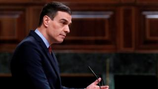 Pedro Sánchez addresses the parliament in Madrid