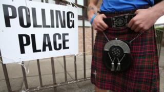 Voter at Bannockburn Polling Station